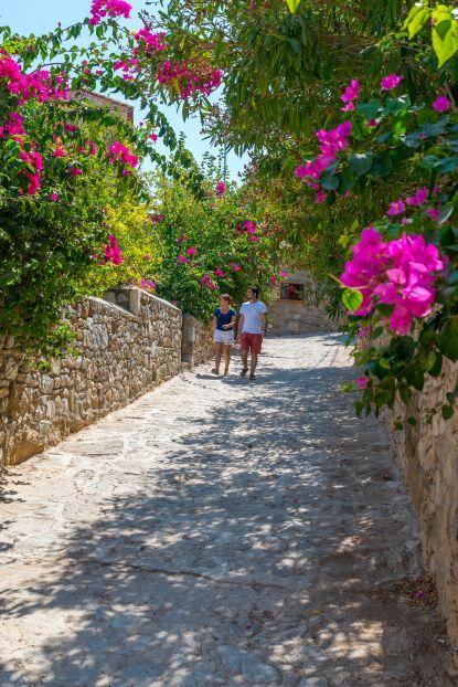 Eski datça sokakları ve Can Yücel'in Evi ziyaretçilerden geçilmiyor