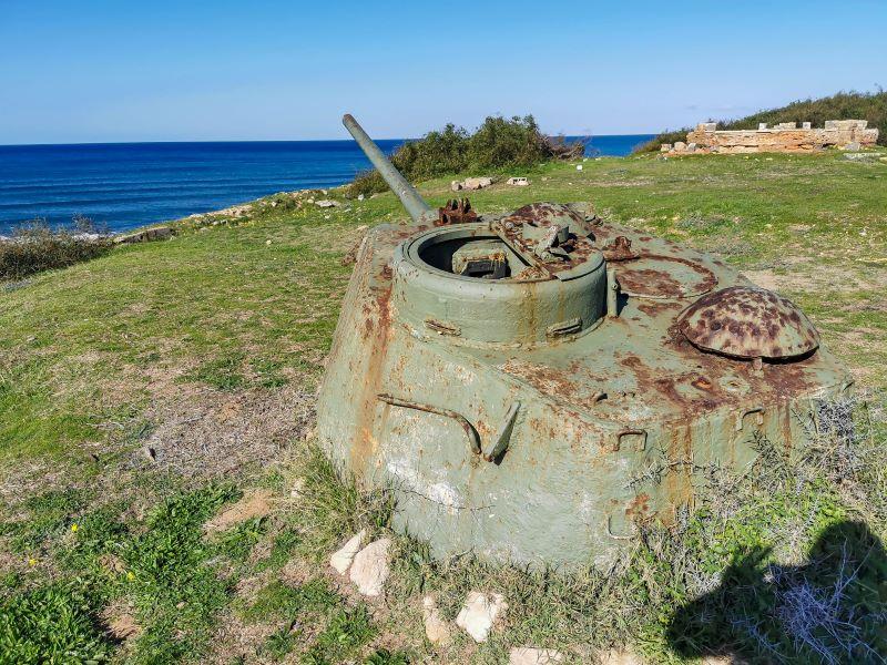 Akdeniz köyünde bulunan tank kalıntısı