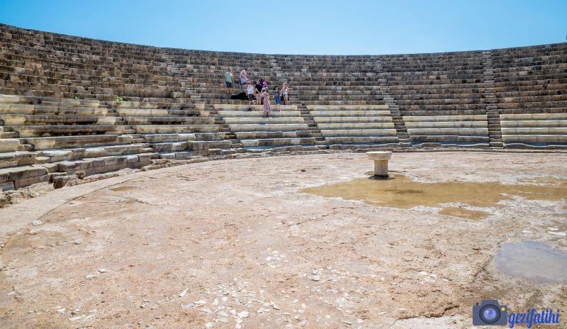 Salamis antik şehir tiyatrosu