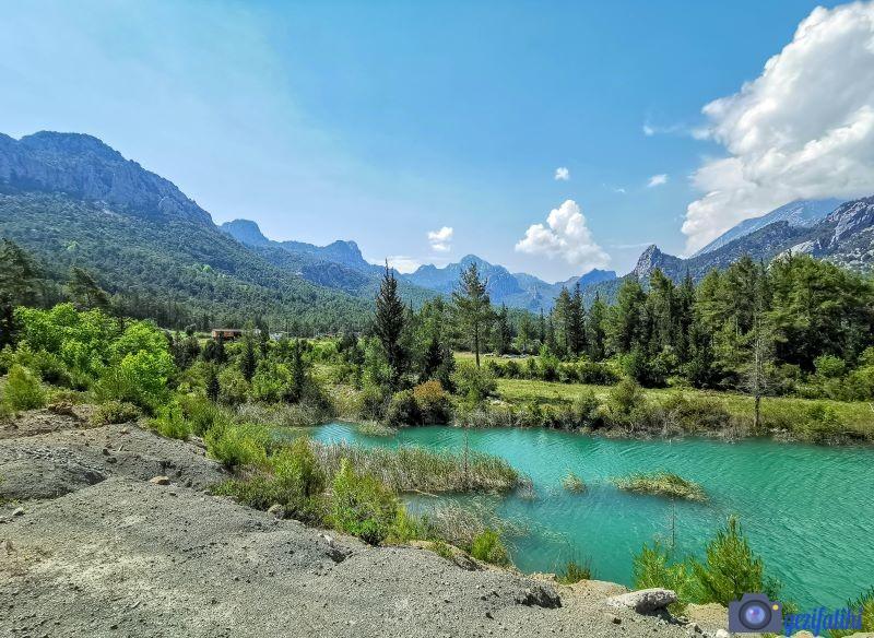 Akbaş göleti çevresi tam bir doğal yaşam alanı