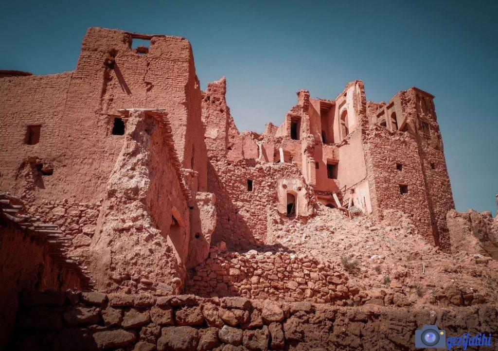 Aid Ben Haddou yağmurun az olduğu bu coğrafyada çok az zarar görerek günümüze ulaşabilmiş.